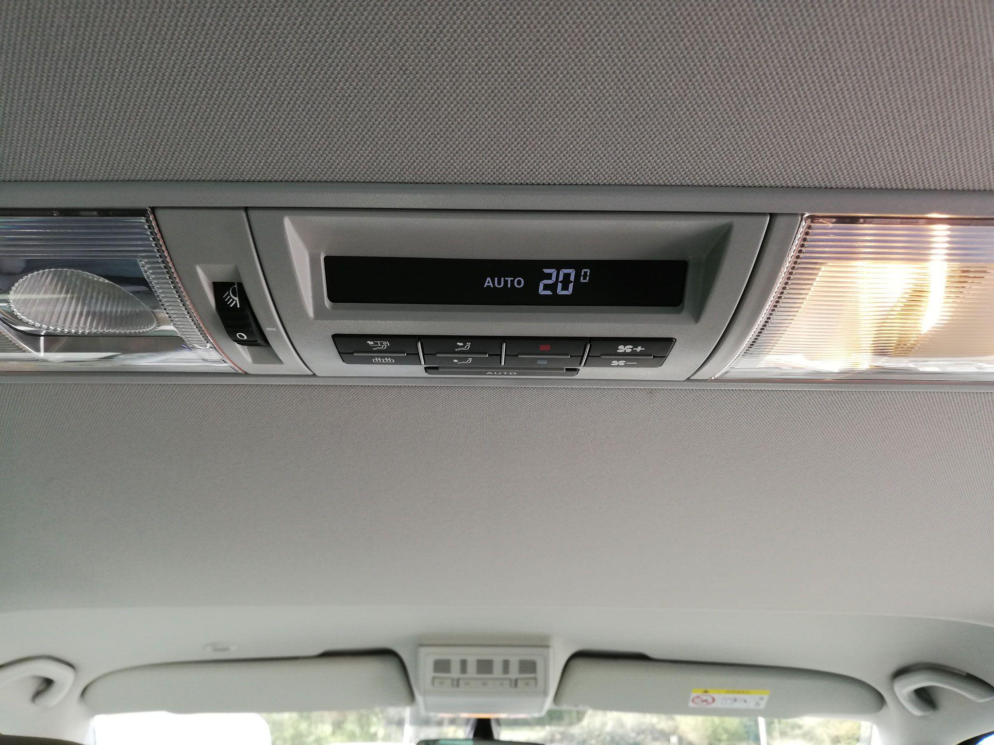 Volkswagen Caravelle T6 automaat (Luxe) -image (15).jpg