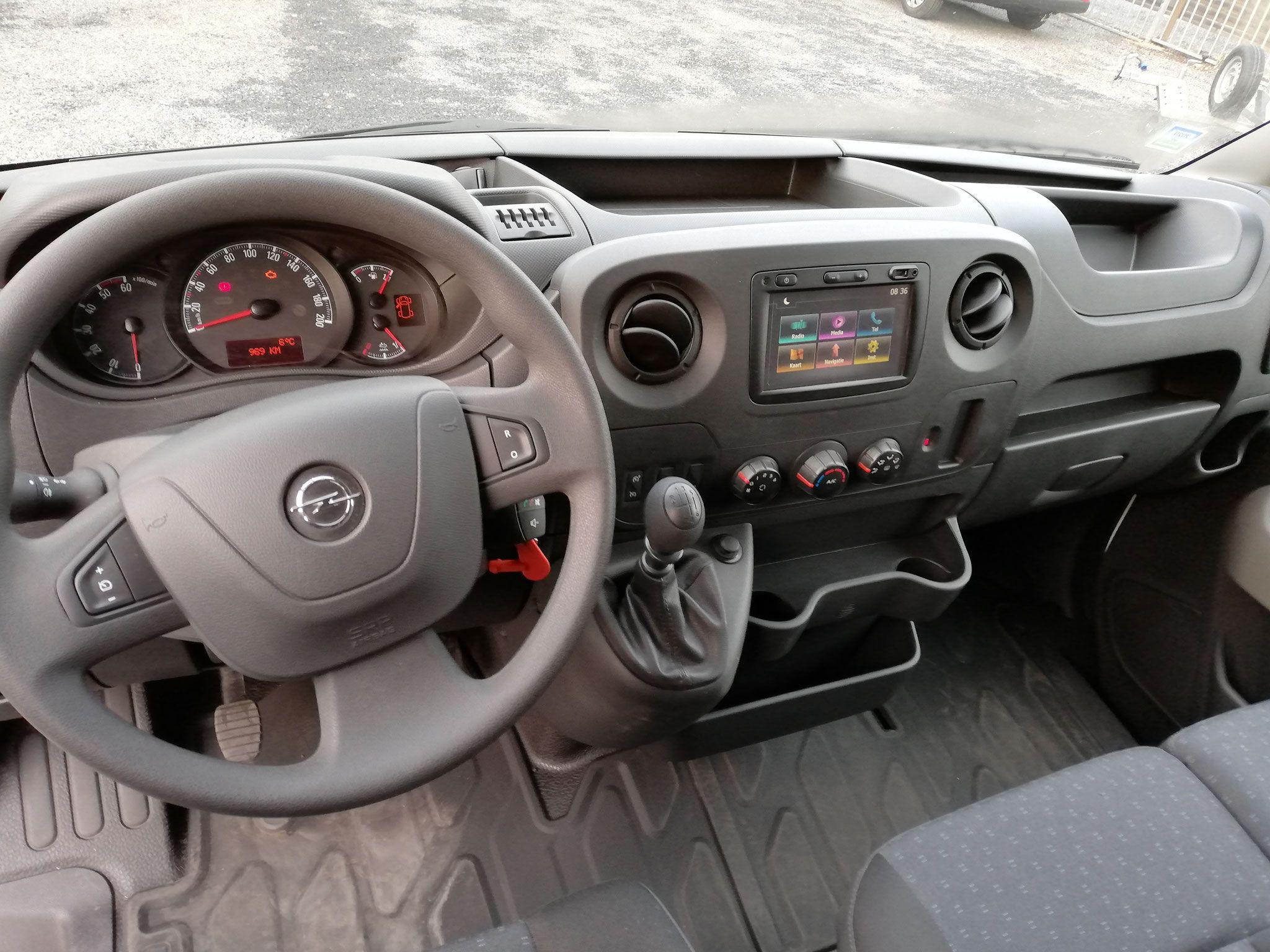 Opel Movano met laadklep - image (8).jpg