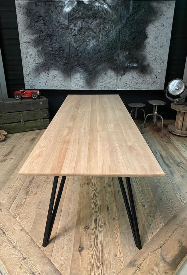 Houtenplaten massief eiken tafels.jpeg